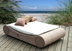 Stylishes Daybed aus Polyrattan